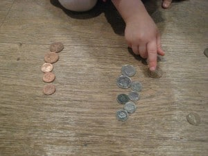 sorting coins by colour