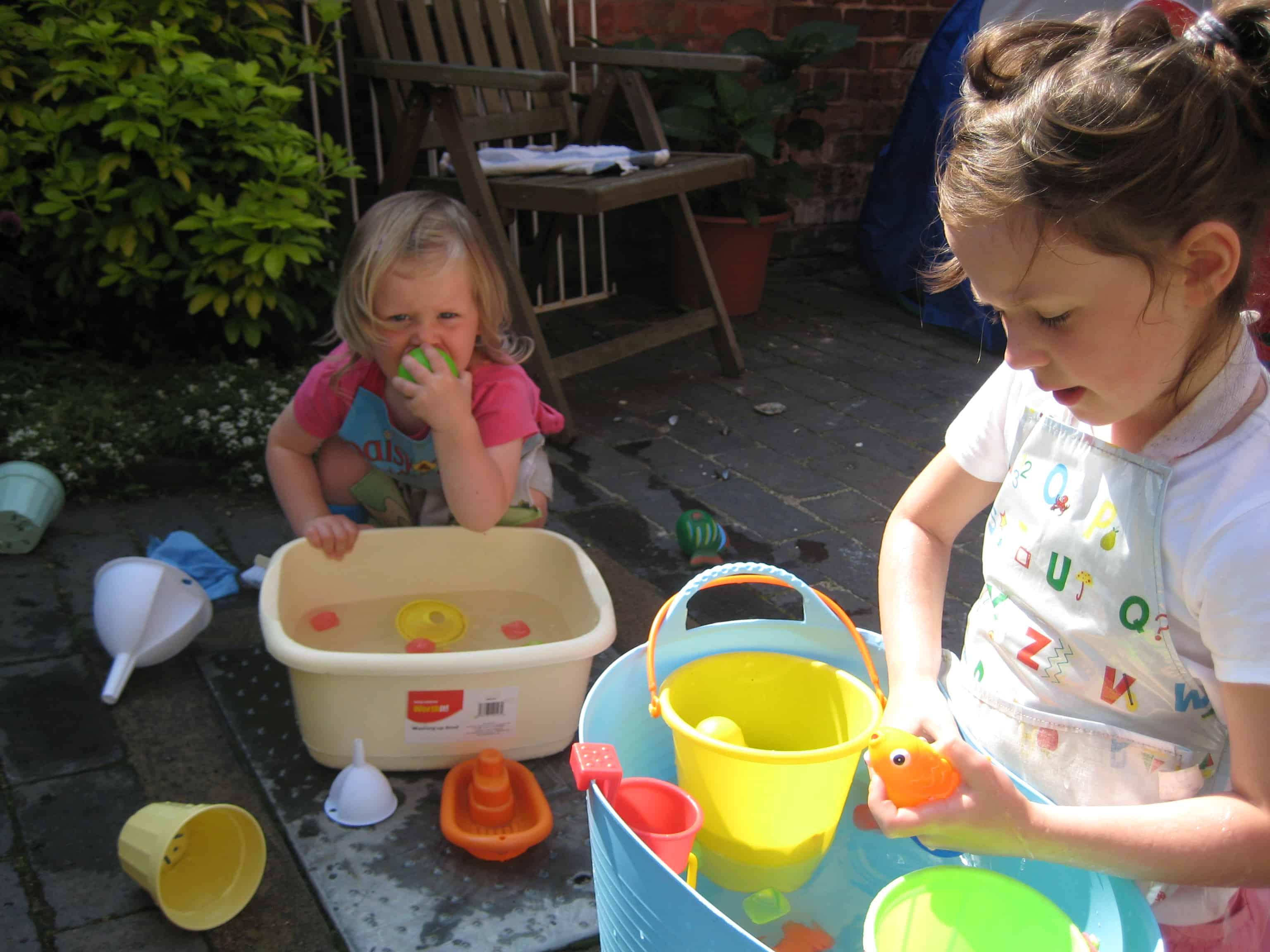 Ideas for water play | NurtureStore