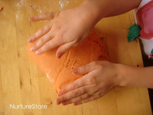 strawberry jello play dough recipe