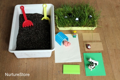 pretend play farm small world
