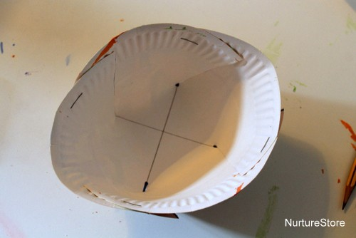 turn paper plate into bowl