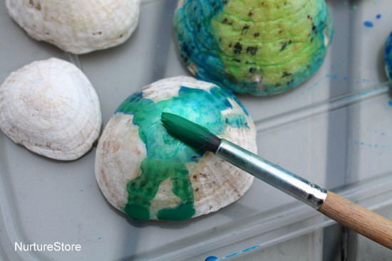 painting shells with watercolour paints