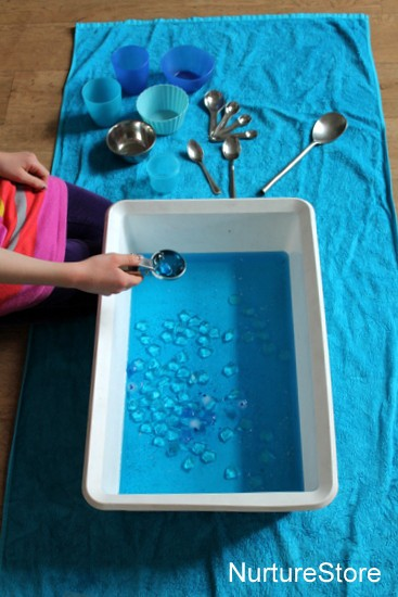 Frozen sensory play tub