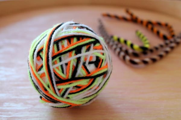 yarn wrapped balls craft