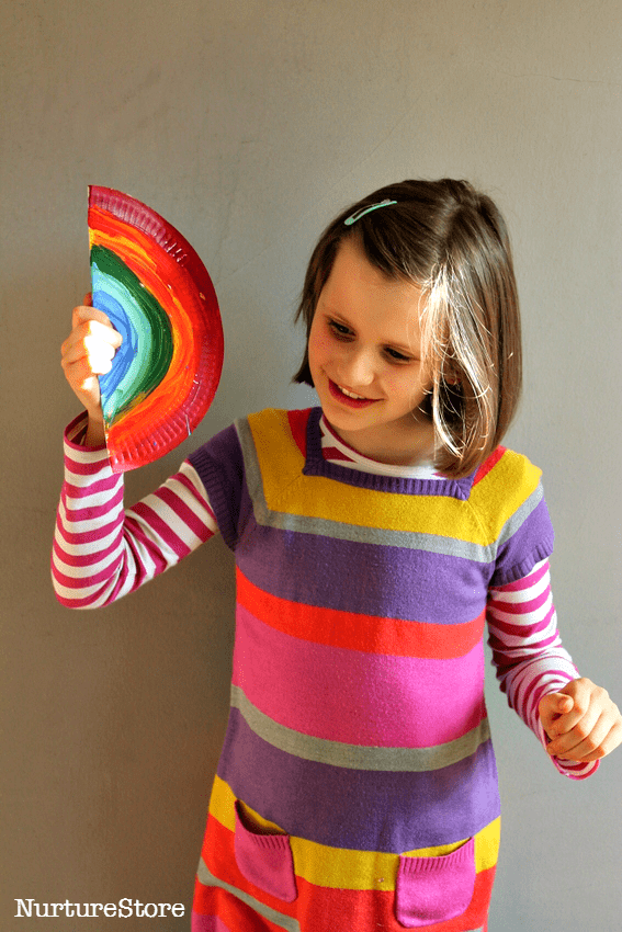 paper plate musical instrument craft :: easy noise maker