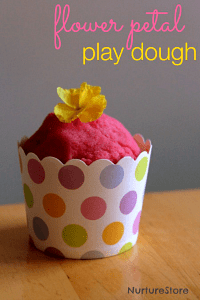 spring-play-dough-with-flowers200
