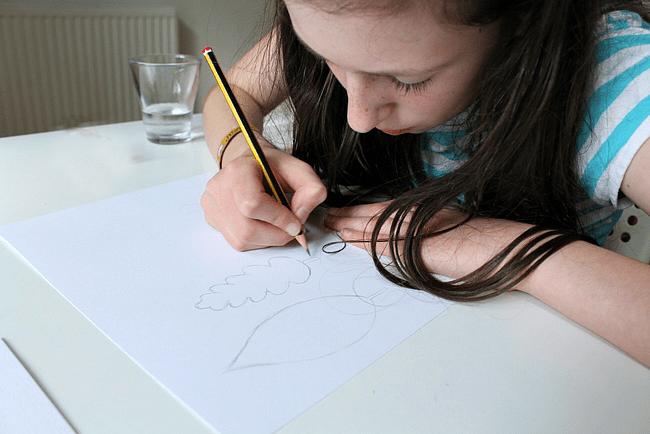 autumn-leaf-art-watercolours-kids