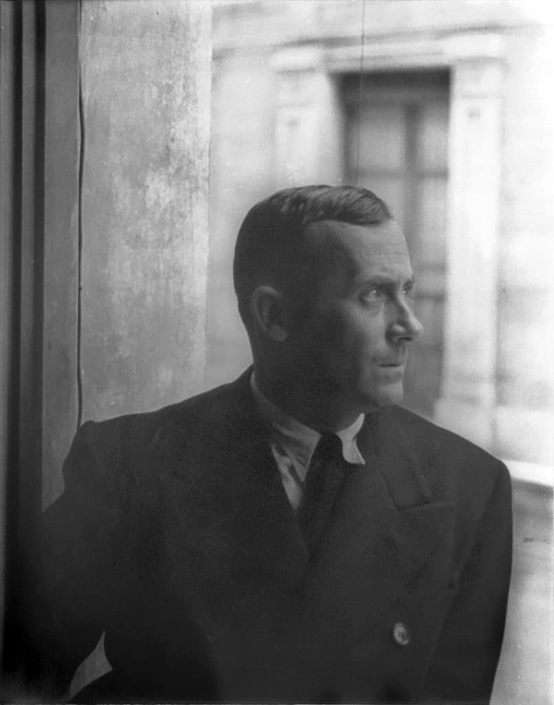 Portrait_of_Joan_Miro,_Barcelona_1935_June_13